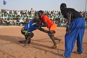 Sudansk nationalsport: Nubisk brydekamp. Foto (c) Merete Allen Jensen.